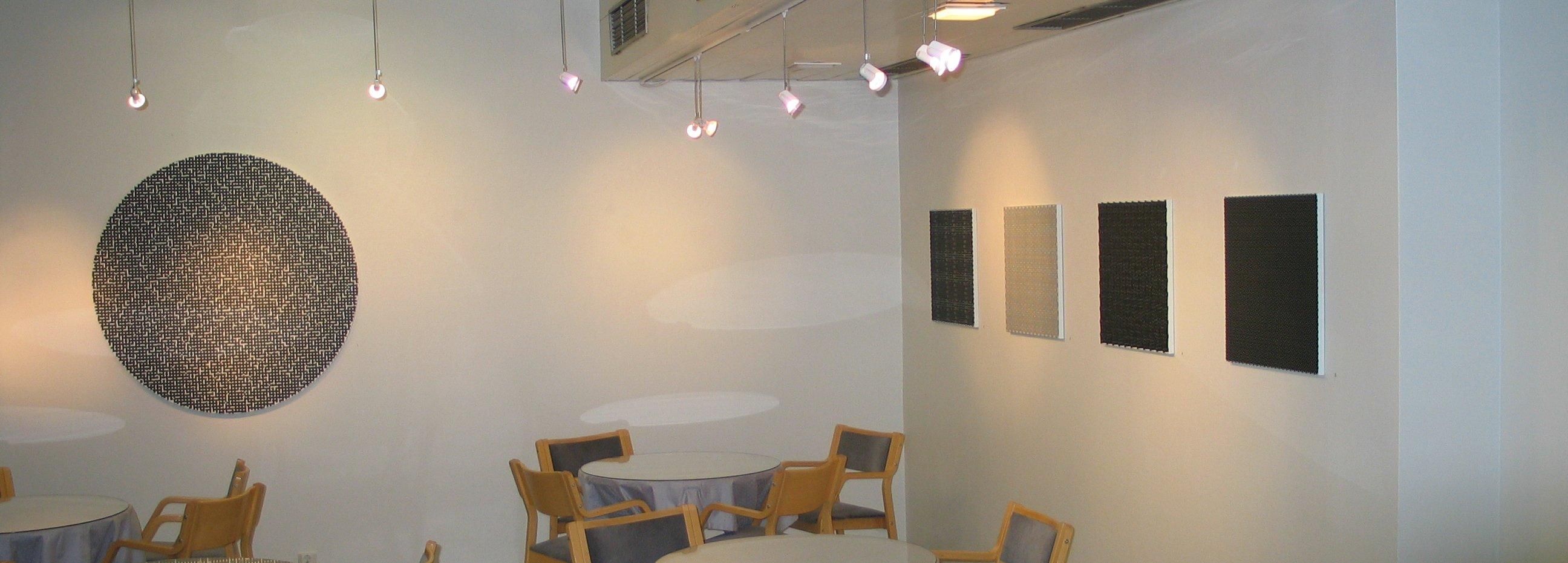 Taidemaalari Matti Kujasalon näyttely Galleria Ortonissa (nyk. Galleria Live).
